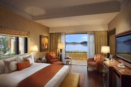 leela palace udaipur suite__bed_room