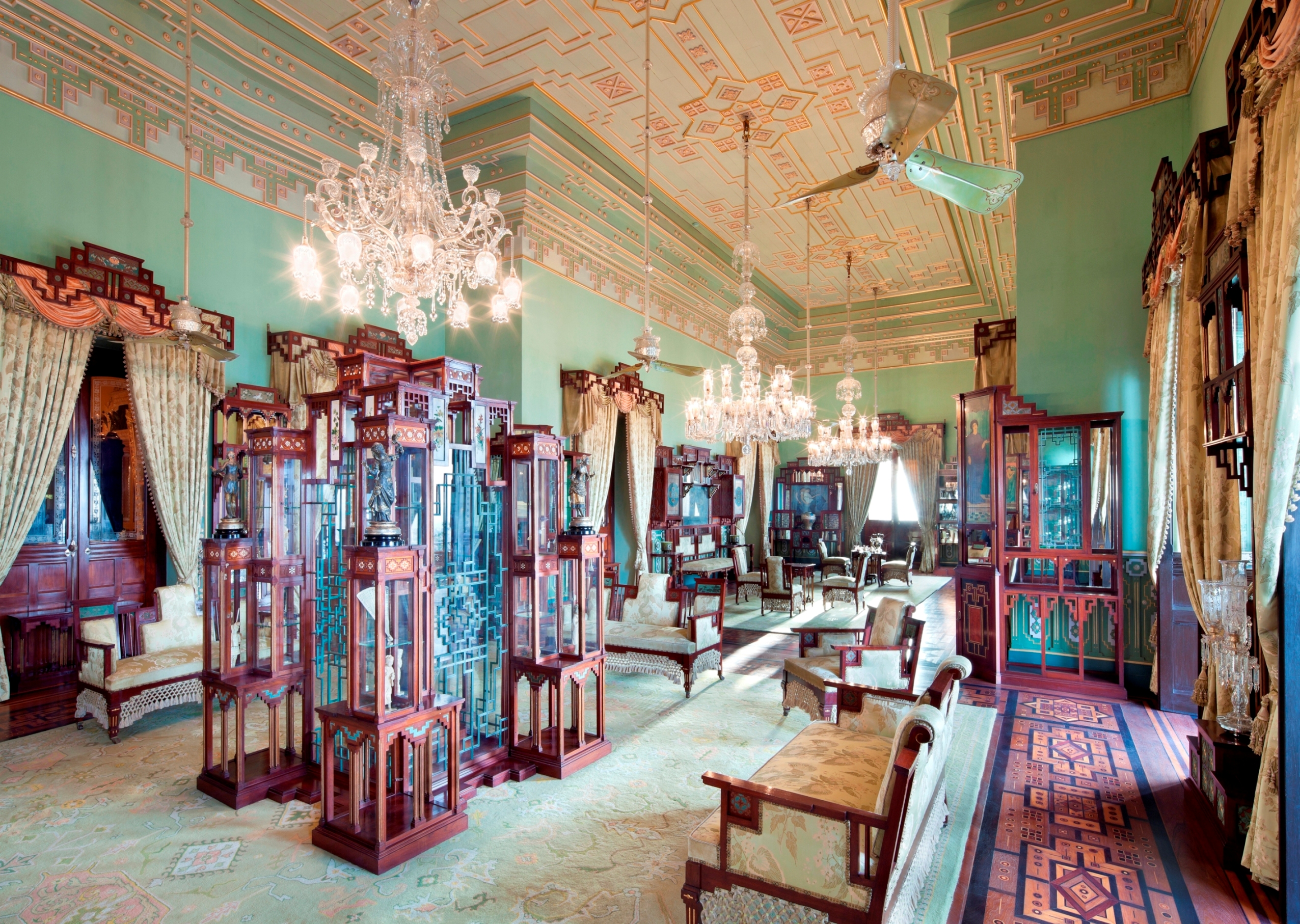Taj Falaknuma Palace, Hyderabad, India - Jade Bar -
